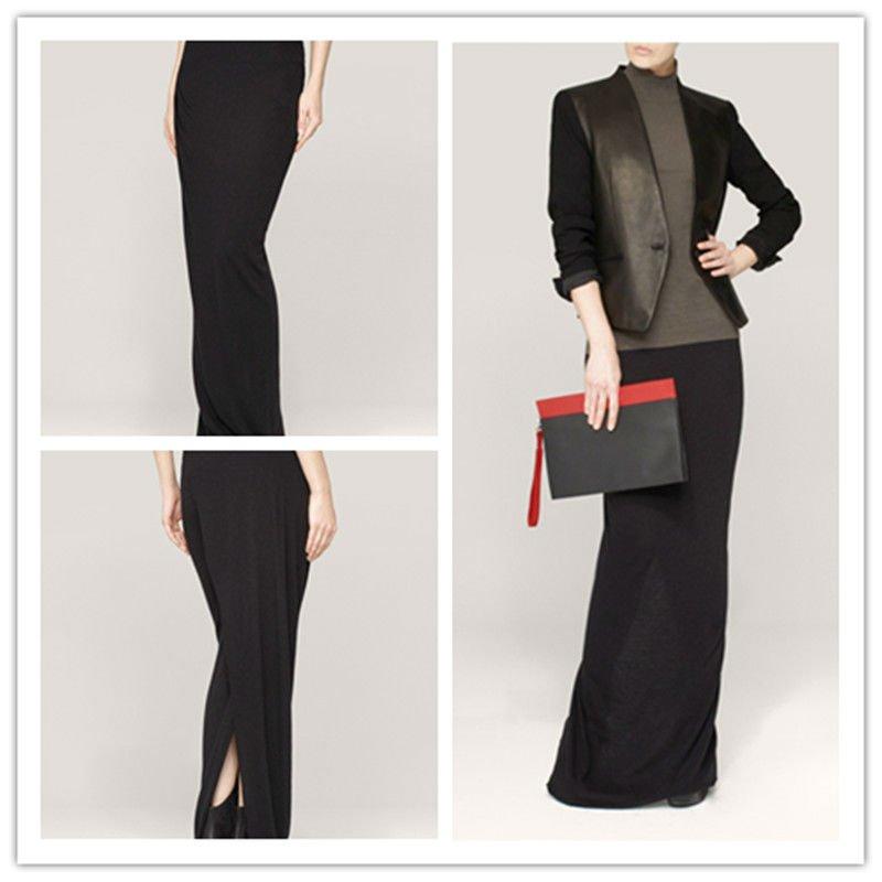 Falda negra de la longitud del piso