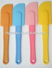 2012 hot sale eco-friendly non-toxic silicone spatula with design