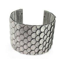 2012 new fashion fish scale design metal cuff bracelet and bangle