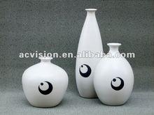 2012 new design dry flower vase factory,cream ceramic vase Stocked,cream antique porcelain on sales