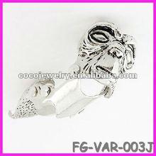 2012 yiwu spike rhinestone skull ring