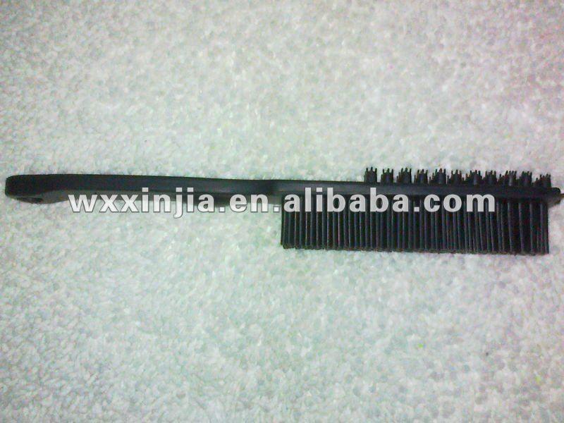 rubber brush