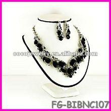 China spike rhinesone bib necklace jewelry black cord necklace