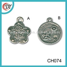 Fashionable Design Zinc Alloy Custom Charms and Pendants CH074