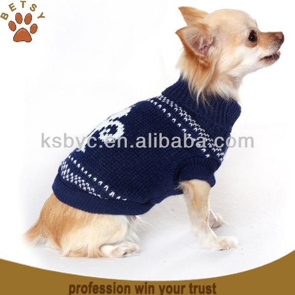 Knit a corgi, the favourite royal dog: free knitting pattern