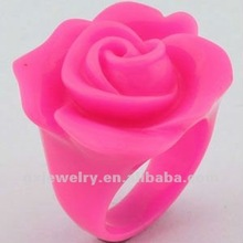 beautiful epoxy rose flower ring for lady