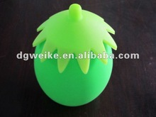 2012 new design food grade silicon cup with cover