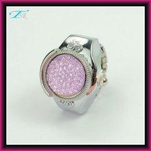 china made new design ashion women's finger ring watch quartz japan movt