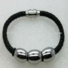 di alta qualità in pelle nera cinturino in pelle intrecciata bracciali con borchie