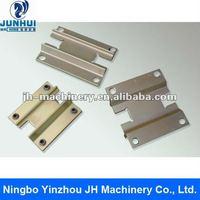 Metal support brackets