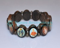 wood stretch jesus bracelet with religious pictures
