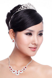 Fashionable Rhinestone and Crystal Wedding Decoration Bridal Jewelry Set Necklace Earring Crown