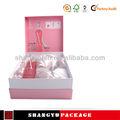 De color rosa seca caja de regalo vino tinto con forma de inserción
