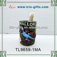 Desktop decoration polyresin pen holder with lizard