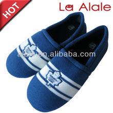 Mode rayures pantoufles tricotées gros avec de haute qualité TPR seule