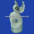 decoración de cerámica blanca palomas