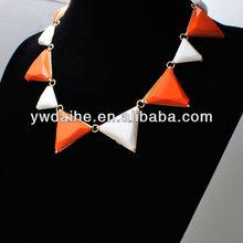Hot Sale Fashion White and Orange Resin Beads Bubble Bib Necklace