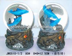 dolphin snow globe,fish snow globes