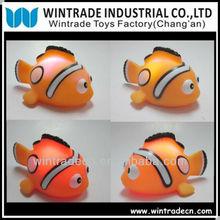 Flashing bath clown fish