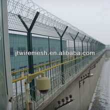 Easily Installation Welded Wire Fence Panels For Prison With Barbed Wire