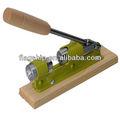 Metal e madeira industial quebra-nozes