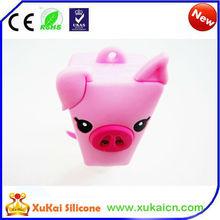Lovely Pink Pig Silicone Holders For hand sanitizer pocketbook