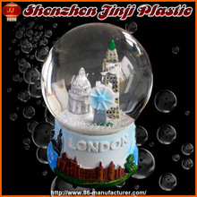 2013 Newest Plastic Snow Globe, Snow Ball Souvenir