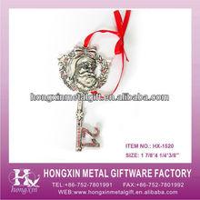 HX-1520 Key shape wholesale metal christmas door hangs ornament/holiday gift box