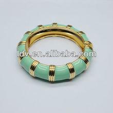 Enamle curving bamboo shaped bracelet bangle