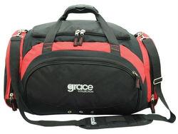 trendy travel bag with metal buckles