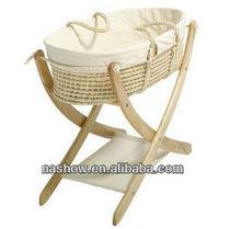 baby bassinet / baby cradle