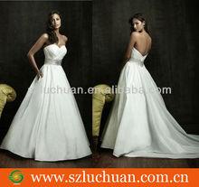 Elegant sweetheart strapless wedding dress 2013