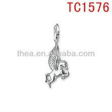 Playful ornamentation horse with wing pendant in 2013 new trend