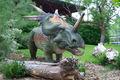 Animación tema parque de dinosaurios de plástico