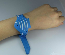 oem thin silicone RFID wristband with 13.56mhz rfid chip