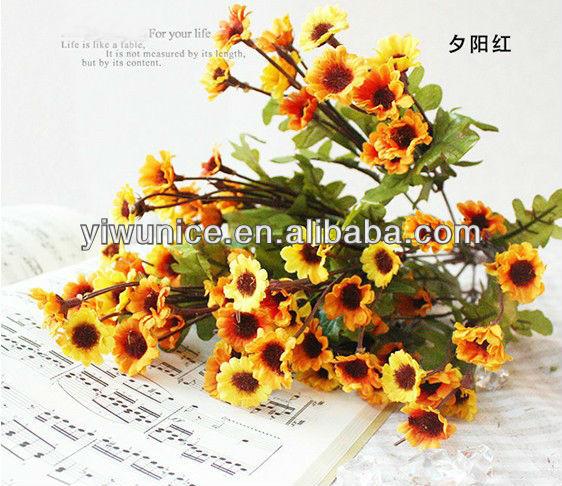 küçük yapay çiçekler