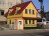 comfortable and modern steel frame villa