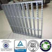 TUV certificate 30mm pitch steel bar grating