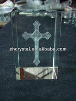 3D laser crystal cube with jesus on cross,laser etched crystal cross paperweight