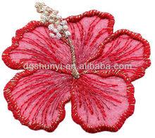 Red hibiscus/ouro metálico( grande)/ferro em apliques bordados/flores