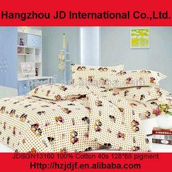 Crib bedding set with Happy Penguin Family design