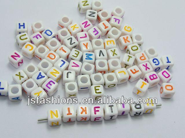 Renkli akrilik küp Dekorasyoniçin Mektup boncuk!! 7mm kare Mektup boncuk!! Akrilik alfabe boncuk toptan fiyat!!!