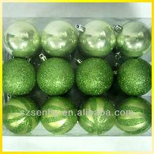 Striking delicate plastic xmas ball ornament