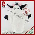 vaca de peluche marioneta de mano
