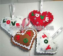 handcrafts christmas felt heart Language Option French