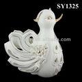 blanco de cerámica artesanal de aves