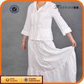 blanco hueco fuera de la longitud del piso elegante trajes de mujer