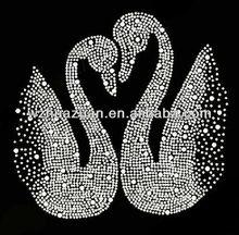 2013 New style and cheap white swan design hot fix rhinestone