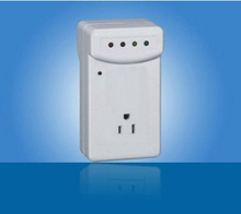110V/220V power protector with single outlet