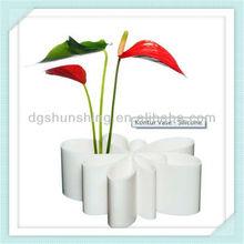 white silicone Kontur Flower pots